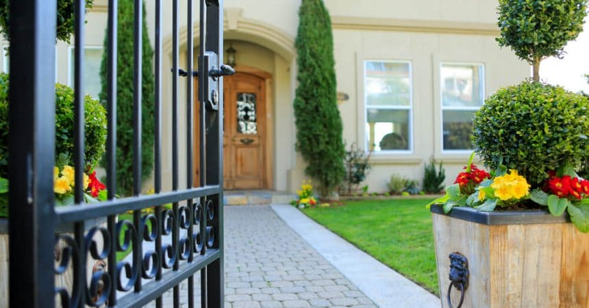 How to Add Value to Your Home with an Iron Fence Blog-Image