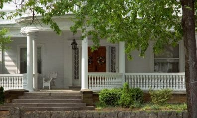 Which Porch Railing is Best For My Home? Blog-Image