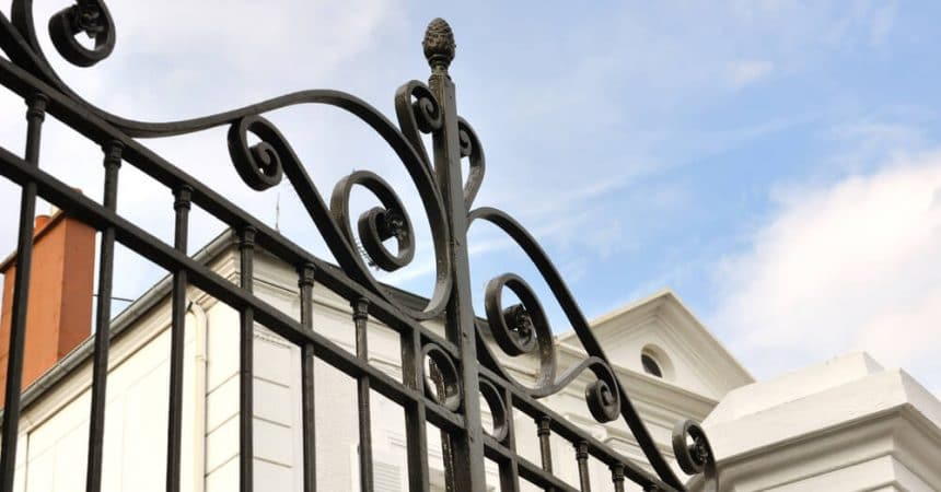 Helpful Tips on How To Restore an Iron Gate Blog-Image