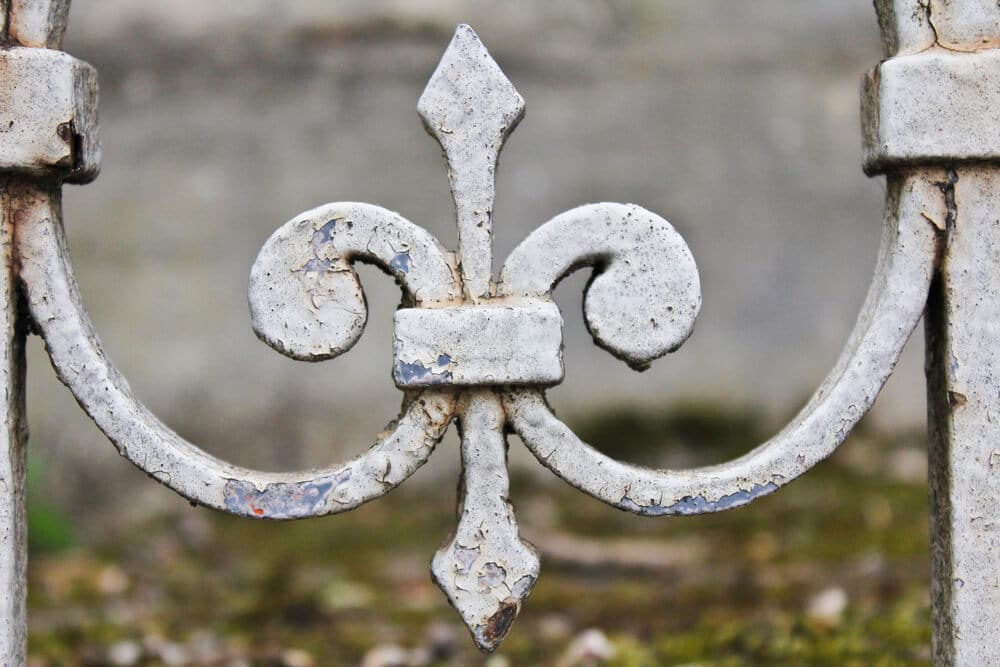 Fleur-de-Lis in French Cemetery - Big Easy Iron Works